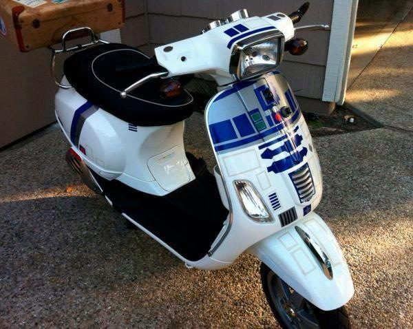 Vespa S in an R2D2 theme